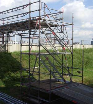 ulz Gerüstbau Bild U-Podesttreppe